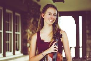 Elizabeth Mae is a Colorado violinist
