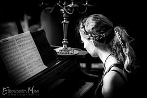 Elizabeth Mae is a Colorado Pianist